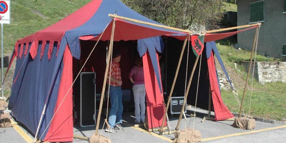 Choisir une tente médiévale pour perpétrer l'histoire principale