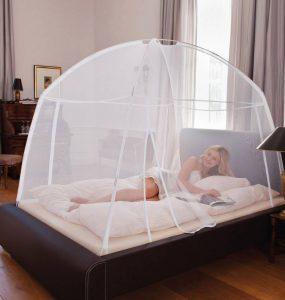 Une moustiquaire dôme pour se protéger efficacement principale